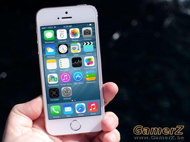 ios_8_home_iphone_5s_hero1.jpg