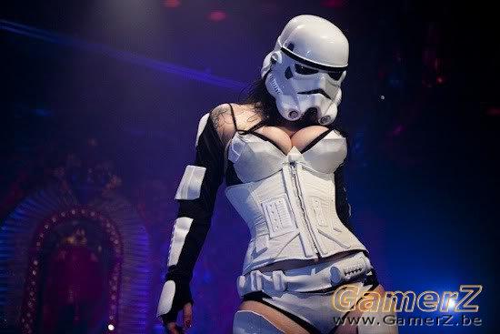 Storm_Trooper_Girl.jpg