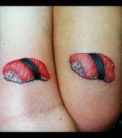 les-tatouages-de-couple-les-plus-moches-du-monde-un-dessin-sushi_110146_w620.jpg